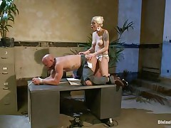 domme lorelei lee rams chad's ass