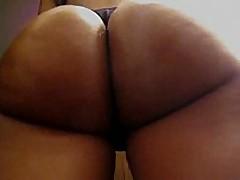 Big perfect booty flexing