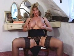 British milf in a enjoyment tease of her hot body