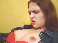 Sultry redhead cumming