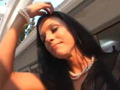 Real estate agent India Summer sucks big cock