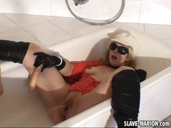 Pissing Slutwife in the bath room