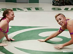 lesbo honeys fighting in the wrestling arena